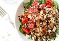 Veselīgs uzturs var būt garšīgs – salāts ar arbūzu, vistu un balzamisko etiķi