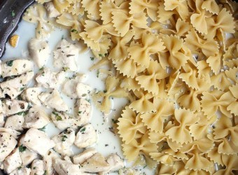 One_Pan_Skinny_Chicken_Alfredo