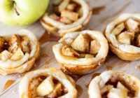 Kraukšķīģie ābolu groziņi (videorecepte)