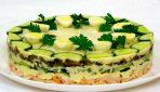 Sātīgi un oriģināli salāti tortes formā. Svētku galda rota!