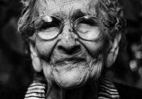 Kāpēc mūsu tuvinieki vecumdienās kļūs tik neizturami?