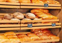 Tautas ticējumi jums pateiks, ko nozīmē, ja maize nokrīt uz grīdas